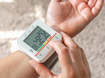 Handgelenk-Blutdruckmess...